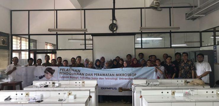 Pelatihan Penggunaan dan Perawatan Mikroskop Departemen Biologi